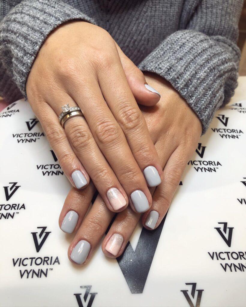 Victoria Vynn hall geellakk